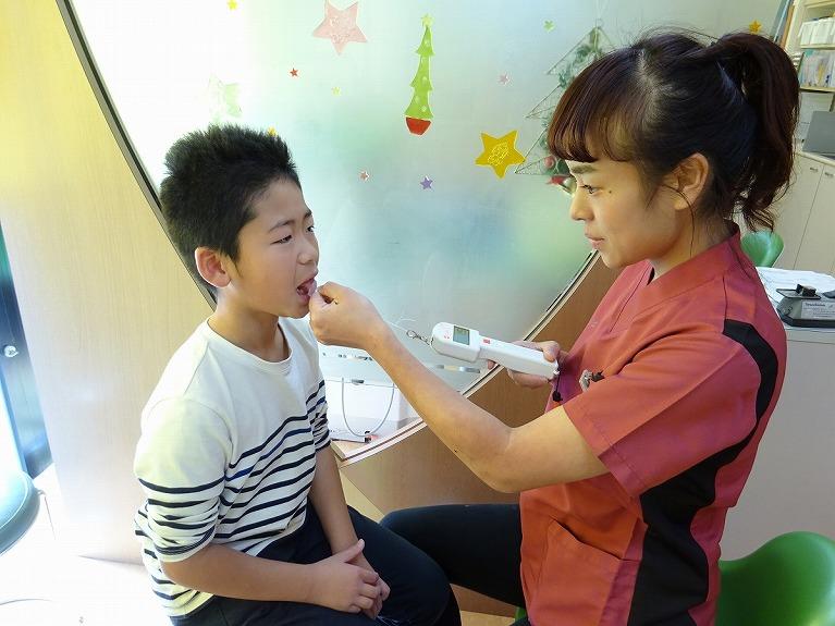お子様の悪い歯並びを予防(早期矯正治療)
